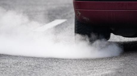 Bei geringer Überschreitung der Stickoxid-Grenzwerte können in vielen deutschen Städten künftig wohl Fahrverbote verhindert werden.