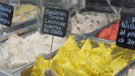 In der Eisdiele «Cannolo Siciliano» gilt das Motto:weniger ist mehr. Hier kommen nur Milch, Sahne, Zucker, Nüsse oder frisches Obst ins Eis.