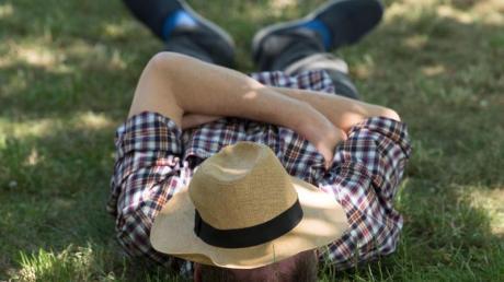 Hitze belastet den Körper und kann das Risiko für einen Herzinfakt erhöhen. Foto: Sebastian Kahnert/zb