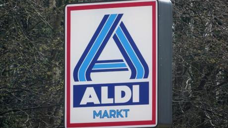 Die Reineke-Brot GmbH hat bei Aldi Nord verkauftes Toastbrot zurückgerufen. Es handele sich um die Sorten «Goldähren Dreikorntoast 500g» und «Goldähren Vollkornsandwich 750g». Foto: Carsten Rehder/dpa