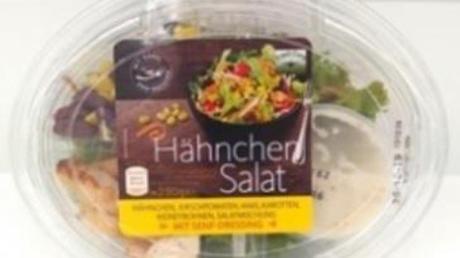 Die Produkte «Fresh Care Hähnchensalat mit Sylter Dressing» und «Fresh Care Hähnchensalat mit Senf Dressing» werden zurückgerufen. Foto: lebensmittelwarnung.de/dpa-imfocom