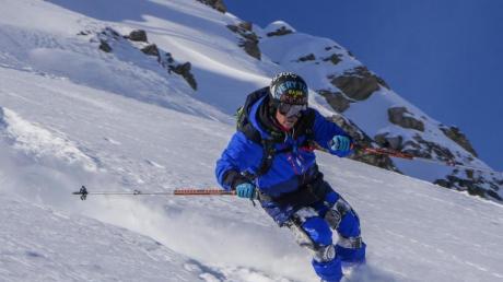 Exoskelette wie Ski-Mojo sollen Menschen mit Knie-Problemen auf die Piste helfen. Foto: dpa-tmn