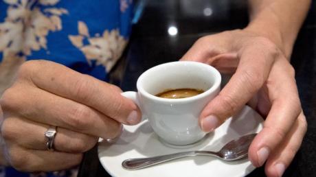 Als Abschluss eines üppigen Menüs schmeckt eine Tasse Kaffee.