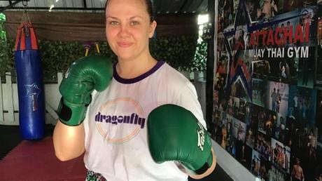 Für Emma Thomas ist Thaiboxen eine gute Kombination von Selbstverteidigung und Fitness. Die britische Autorin lebt seit etwa neun Jahren in Bangkok.