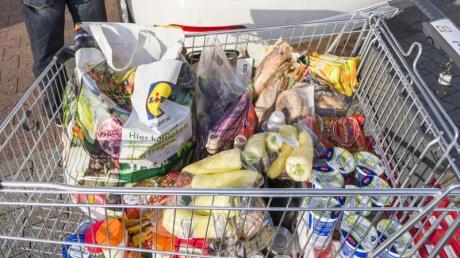 Der Lebensmittelhandel appelliert an die Verbraucher: Es gibt keinen Grund für Vorratskäufe.