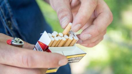 Eine letzte Zigarette? Mit dem Rauchen aufzuhören, gelingt nicht immer beim ersten Anlauf.