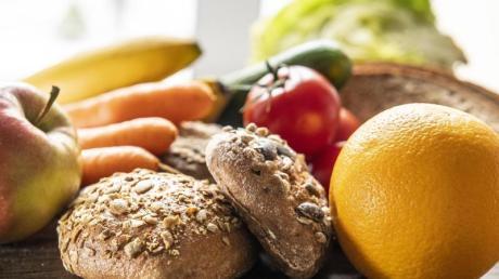 Von wegen überflüssig: Lebensmittel mit Ballaststoffen sorgen dafür, dass die Verdauung gut funktioniert.