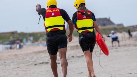Wegen geschlossener Schwimmbäder rechnet die DLRG in diesem Sommer mit mehr Badetoten als in den vergangenen Jahren.