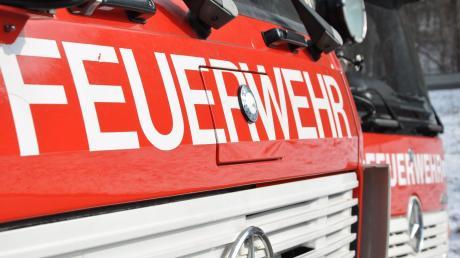 Die Feuerwehr musste ausrücken, weil ein Mann in Langweid eine Kerze auf dem Ofen vergessen hatte.