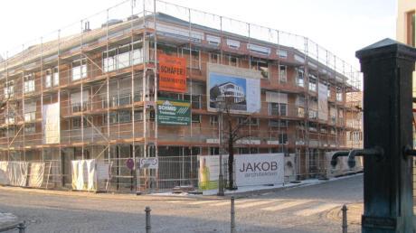 """Der Neubau """"Gesundheit im Zentrum"""" in der Krumbacher Karl-Mantel-Straße wird Anfang Mai seiner Bestimmung übergeben."""