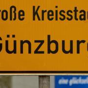 Ortsschild%20G%c3%bcnzburg%20Feb%202014%201.JPG