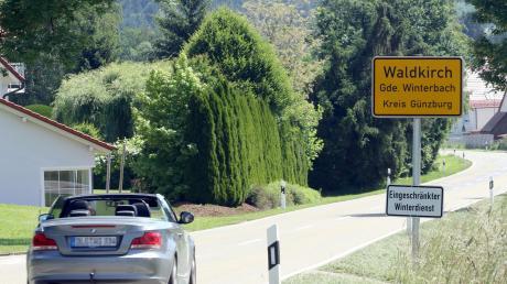 Leben, wo andere Urlaub machen: Die Bürger der Gemeinde Winterbach fühlen sich offensichtlich wohl an dem Ort, in dem sie leben. Das manchmal zu schnelle Fahren am Ortseingang von Waldkirch (Symbolfoto) stört aber manche.
