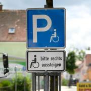 Copy%20of%20Schild_Behindertenparkplatz_Bur_Juni18.tif