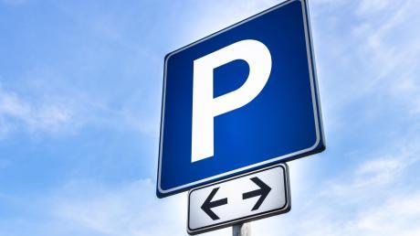 In der Günzburger Straße in Leipheim sollen neue Parkplätze entstehen.