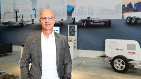 Harald Hiller, President und CEO der Alko Fahrzeugtechnik, gab am Freitag bekannt, dass das Unternehmenim Gewerbepark Deffingen eine Fertigung aufbauen wird.