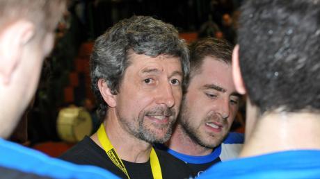 Unser Archivbild zeigt ihn noch als Coach der TSG Söflingen im Gespräch mit seinen Spielern, ab der kommenden Spielzeit wird Gabor Czako die Günzburger Männer trainieren.