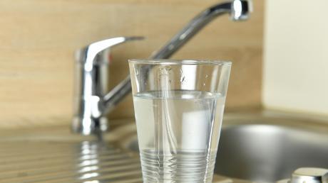 Wasserglas_Wasserhahn_Juli17_7.jpg