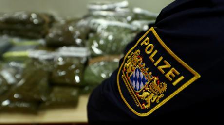 Die Polizei hat mehrere Kilo Marihuana sichergestellt.