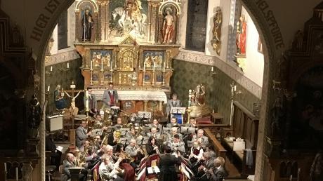 Moderne und klassische Musik hat das Werksorchester des Kernkraftwerks Gundremmingen beim Benefizkonzert in der Kirche St. Martin geboten.