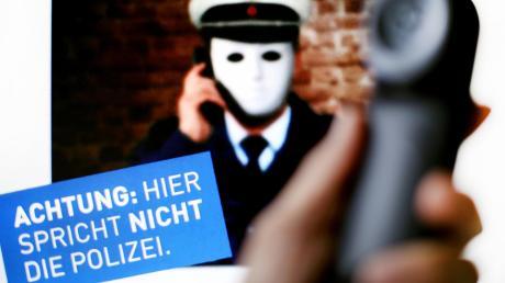Betrüger schlüpfen auch in die Rolle von Polizisten, um an das Geld ihrer Opfer zu kommen. Derzeit häufen sich die Fälle im Raum Günzburg.