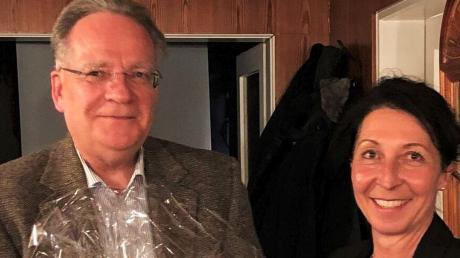 Peter Mucha hat das Amt des Burgauer CSU-Chefs an die Stadt- und Kreisrätin Monika Riß übergeben.