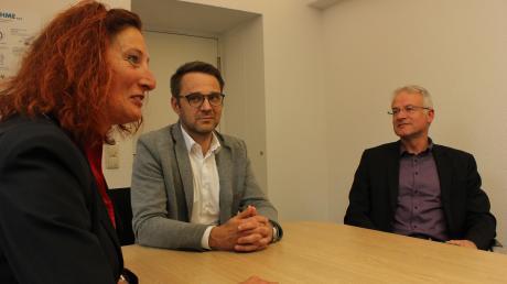 Das neue Führungsteam des Staatlichen Schulamts stellte sich in der Redaktion unserer Zeitung vor. Das Foto zeigt (von links) Barbara Käppeler, Schulamtsdirektor Thomas Schulze und Robert Kaifer.