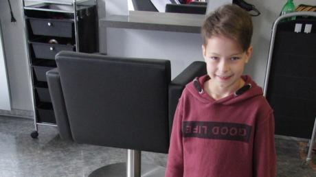 Die achtjährige Sophia spendete ihre mehr als einen halben Meter lange Haarpracht für guten Zweck.