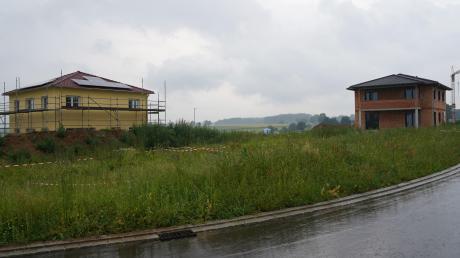 Die ersten Häuser im Kissendorfer Baugebiet Rotleite stehen schon. Weitere sind im Bau.