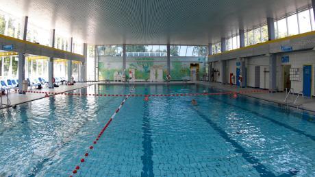 Ein Schwimmbad ohne Wasser? Das geht natürlich nicht. Etwa 24000 Kubikmeter werden hier im Jahr verbraucht.