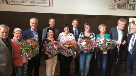 Der Vorstand der Arbeitsgemeinschaft Rheumaliga Ichenhausen-Krumbach hat die 40-Jahr-Feier zum Anlass genommen, langjährigen Helfern und Helferinnen für ihre Arbeit in der Selbsthilfeeinrichtung zu danken.