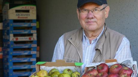 Auch wenn heuer seine Obsternte nur durchschnittlich ausfiel, ist Hans Joas zufrieden. Der Gundremminger lagert nun Äpfel und Birnen ein.
