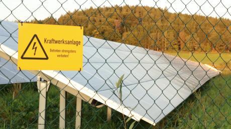 Ein Unternehmen will zwischen Glöttweng und Roßhaupten ein Solarfeld errichten.