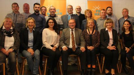 Ein Großteil der Kandidaten der Freien Wählervereinigung Burgau für den Stadtrat. Nicht alle waren bei der Nominierungsversammlung dabei.