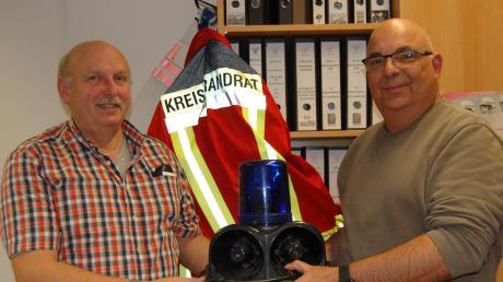 Nach 18 Jahren erfolgt der Wechsel an der Spitze der Kreisfeuerwehren. Kreisbrandrat Robert Spiller (links) gibt das Amt ab an Nachfolger Stefan Müller.