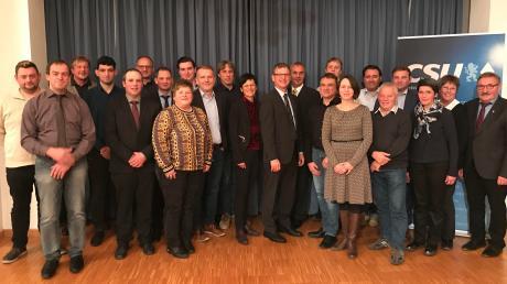 Mit diesen Kandidaten tritt die CSU Ichenhausen bei der Kommunalwahl 2020 an.