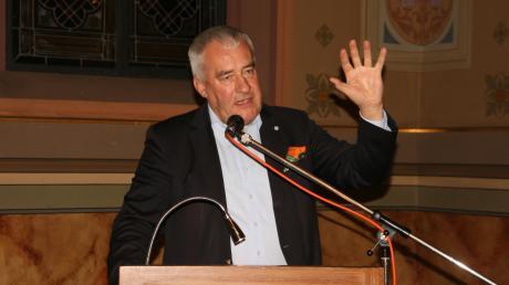 Zum Kampf gegen den zunehmenden Antisemitismus rief der frühere bayerische Kultusminister Ludwig Spaenle bei seinem Auftritt in der Synagoge in Ichenhausen auf.