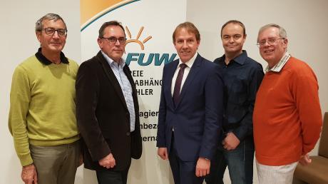 Die Gemeinderäte der FUW mit dem Bürgermeisterkandidaten (von links: Helmut Feuchtmayr, Hans Reichhardt, Christoph Böhm, Markus Kraus und Paul Heinle. Hans Miehle fehlt auf dem Bild.