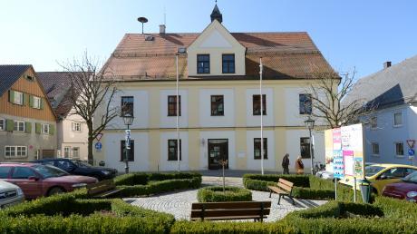 Das Rathaus in Leipheim soll für eine Million Euro erweitert werden.