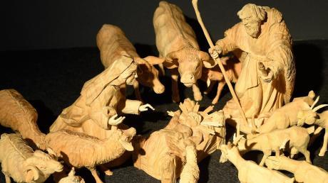 Diese Figuren wurden aus einem abgebrochenen Ast der alten Leipheimer Linde gefertigt.