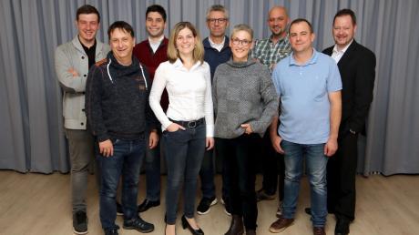 Die Kandidaten für den Gemeinderat mit der Bewerberin für das Bürgermeisteramt, Doris Egger (vorne, Zweite von rechts).