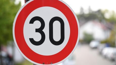 Seit Januar forderten einige Bürger eine Tempo-30-Zone in Schnuttenbach. Nach einer Befragung vor Ort sprach sich der Gemeinderat dafür aus.