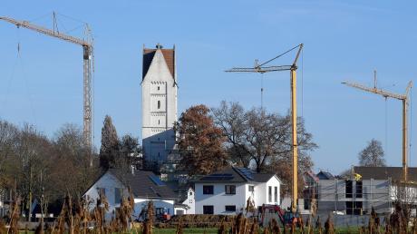 Im Baugebiet Von-Freyberg-Straße im Burgauer Stadtteil Unterknöringen entstehen neue Häuser. In Limbach ist ein weiteres in Planung. Ansonsten tut sich die Stadt derzeit schwer, Flächen für weitere Baugebiete zu bekommen.