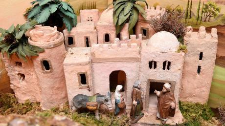 Die Herbergssuche gehört zu den ersten Szenen in der überlieferten Geschichte von Maria und Josef von Nazareth in der Simultankrippe der Familie Gollmitzer.