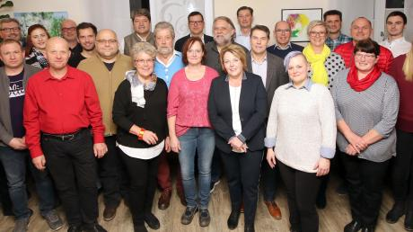 Diese Frauen und Männer gehören zu den Liberalen, die dem künftigen Kreistag angehören wollen. Die FDP strebt trotz größerer Konkurrenz fünf Mandate an. Bislang sind es vier.