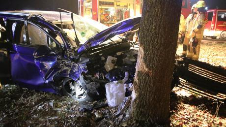 Ein Schaden von 18.000 Euro Schaden ist an diesem Auto entstanden.