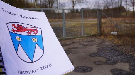 Wo einmal der Wertstoffhof war, soll ein modernes Wasserhaus der Gemeinde Bubesheim gebaut und an das Wassernetz angeschlossen werden. Außerdem wird es eine Wasserleitung von Günzburg nach Bubesheim geben. Im Haushalt 2020 sind deshalb 2,5 Millionen Euro für die Wasserversorgung bereitgestellt.