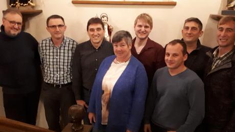 Die Kandidaten der Wählervereinigung Winterbach. Von der Wählervereinigung Rechbergreuthen liegt dem Einsender, Bürgermeister-Kandidat Reinhard Schieferle (Dritter von links), kein Foto vor.