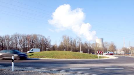 Der neue Kreisverkehr an der Umgehungsstraße von Gundremmingen soll optisch ansprechend gestaltet werden. Dies könnte mit Reliefs prägnanter Gebäude des Ortes geschehen, eventuell auch mit dem Wappen der Gemeinde.