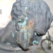 Georgstag: Hier erfahren Sie mehr zur Bedeutung und zum Datum des Gedenktags. Im Bild zu sehen ist eine Brunnenfigur des Heiligen.