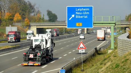 Um das immer höher werdende Verkehrsaufkommen in Leipheim zu bewältigen, ist eine Verlegung der Autobahnanschlussstelle im Gespräch.